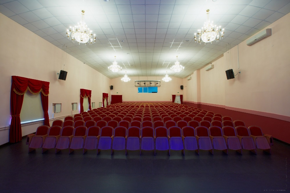 зала со сцены